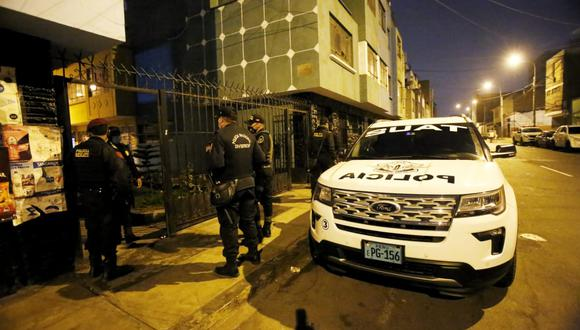 En total, 18 inmuebles fueron allanados por la policía. (Foto: César Grados/@photo.gec)