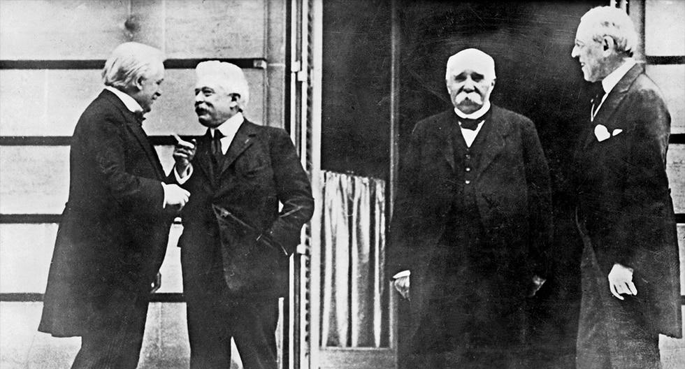 El primer ministro británico, Lloyd George (I), el presidente de Francia, Georges Clemenceau (2ª D), y al presidente de EE.UU., Woodrow Wilson, en la Conferencia por la Paz por la Primera Guerra Mundial. (AFP)