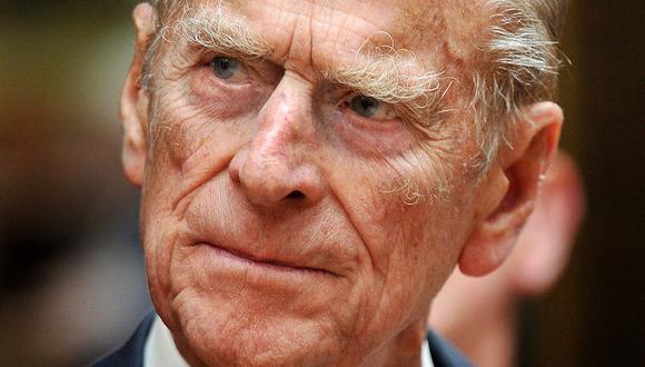 En esta foto de archivo tomada el 10 de junio de 2011, el príncipe Felipe de Gran Bretaña, duque de Edimburgo, asiste a una recepción para la organización benéfica Action on Hearing Loss en el Palacio de Buckingham, en el centro de Londres, el 10 de junio de 2011. (John Stillwell / POOL / AFP).