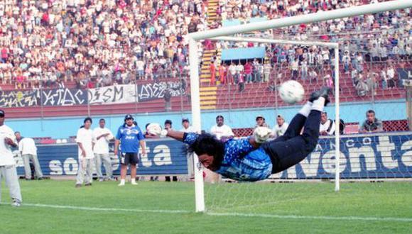 René Higuita jugó por Alianza Lima un clásico en 1999. (Foto: Archivo GEC).
