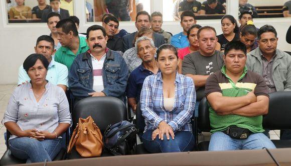 Elsa Malpartida, Nancy Obregón y otros procesados durante el inicio del juicio oral en la sala de audiencias del penal Ancón (Foto: Poder Judicial)