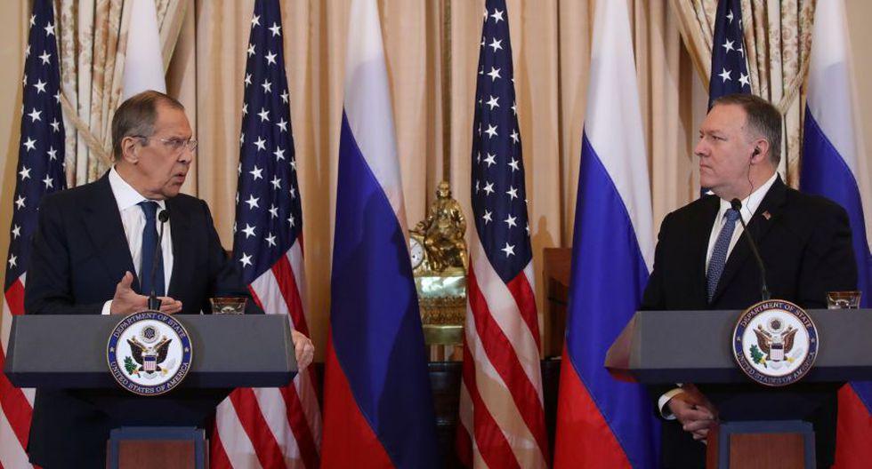 El ministro de Asuntos Exteriores de Rusia, Serguei Lavrov, y el secretario de Estado de EE.UU., Mike Pompeo, en una conferencia de prensa conjunta en el Departamento de Estado en Washington. (Foto: Reuters).