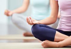 #YoMeQuedoEnCasa: 7 posturas de yoga para mejorar tu flexibilidad