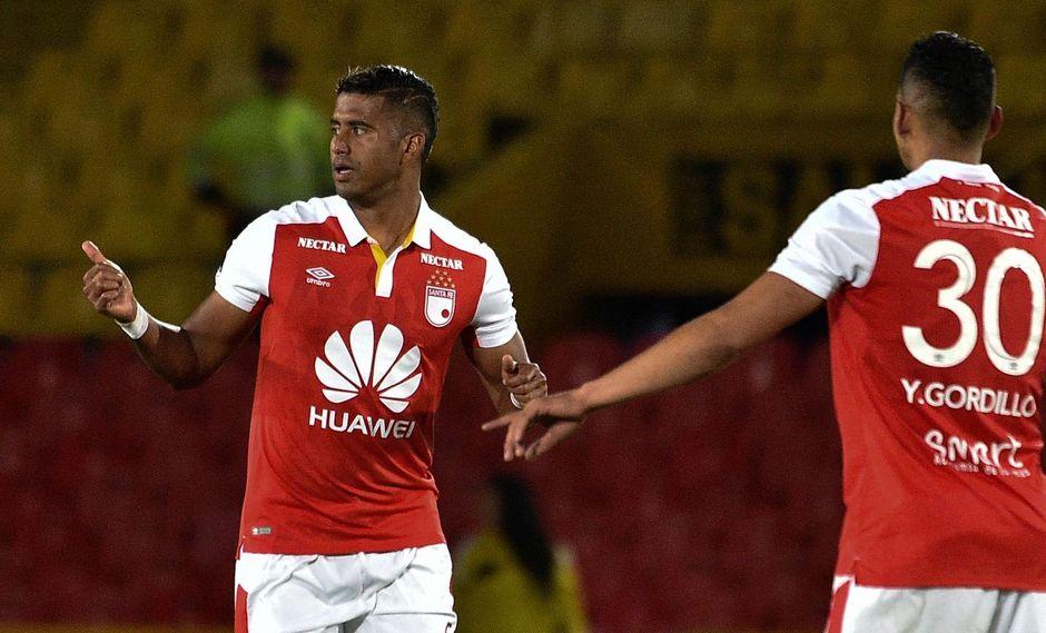 Santa Fe venció 2-0 a Rampla Juniors con doblete de Henao y sigue en Sudamericana. (Foto: AFP)