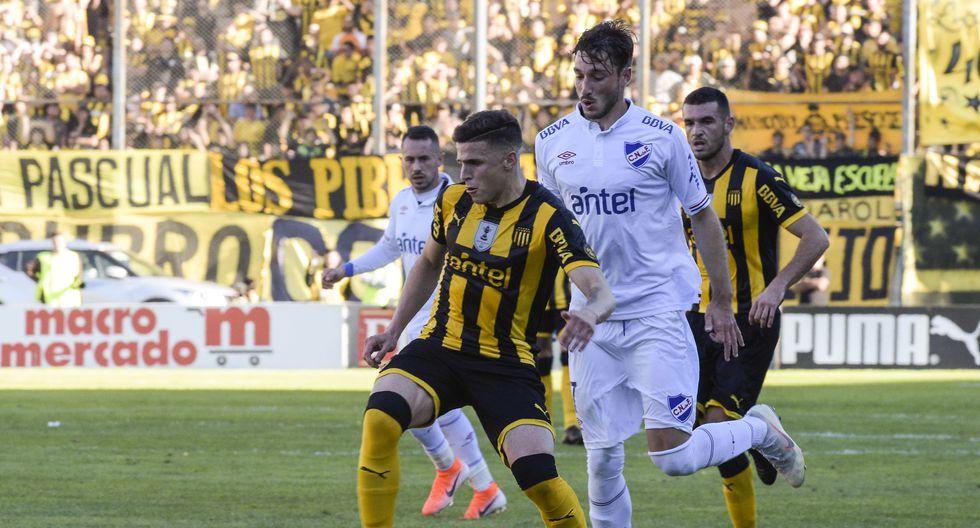 Peñarol y Nacional, una rivalidad de siempre en UIruguay que puede tener cuatro enfrentamientos en 11 días. (Foto: Miguel Rojo / AFP)