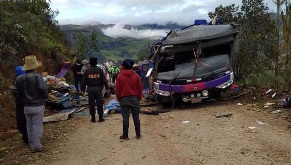 El trágico accidente ocurrió un día después de las elecciones generales 2021. Los pasajeros viajaron para sufragar. (FOTO: PNP)