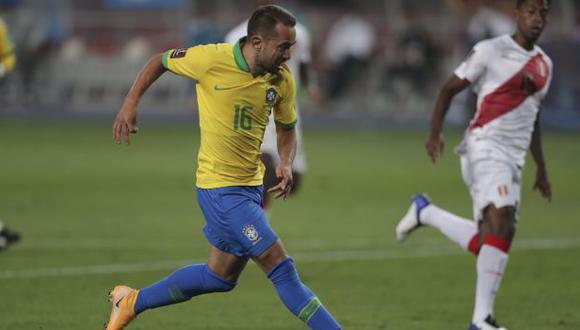 Everton Ribeiro usó el 16 en la jornada doble anterior de Eliminatorias. (Foto: AFP)