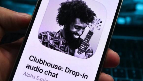 Clubhouse se destaca de otras apps por la falta de texto, imágenes y videos: la aplicación es solo de audio. (Foto: BBC)