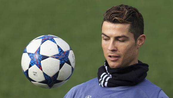 Cristiano Ronaldo será padre de gemelos, según diario británico