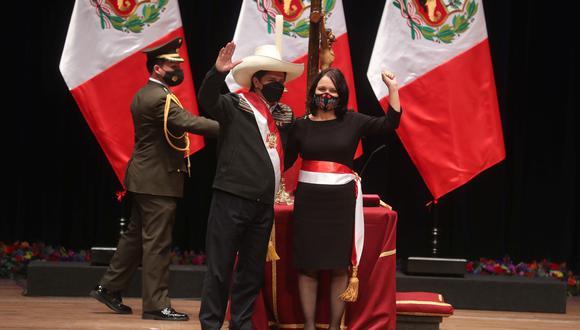 """La nueva titular del sector juró al cargo """"por la memoria de Micaela Bastidas, por las mujeres peruanas y un país con igualdad"""". (Foto: Presidencia)"""