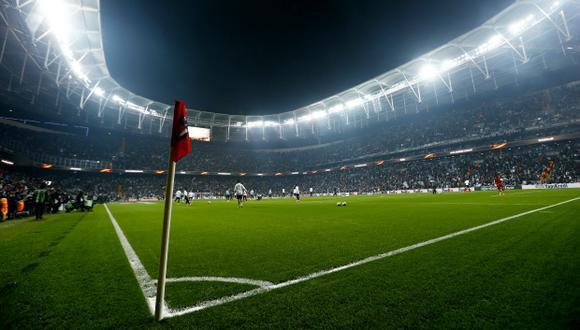 El Vodafone Arena de Estambul, Turquía, dejará de tener la palabra final de su nombre por decreto del presidente Erdogan. (Foto: Reuters)