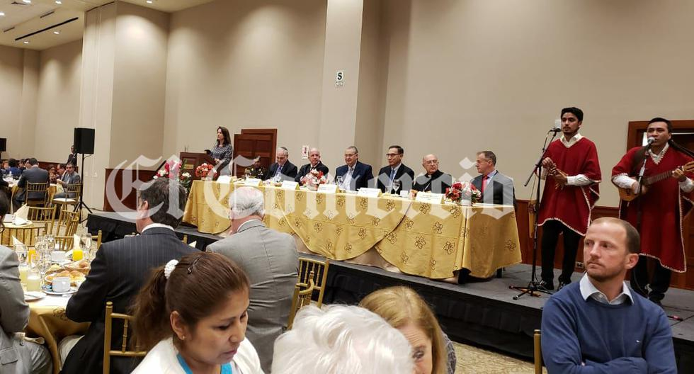 El presidente de la República Martín Vizcarra compartió mesa con el cardenal Pedro Barreto y el electo alcalde de Lima Jorge Muñoz. (Foto Difusión)