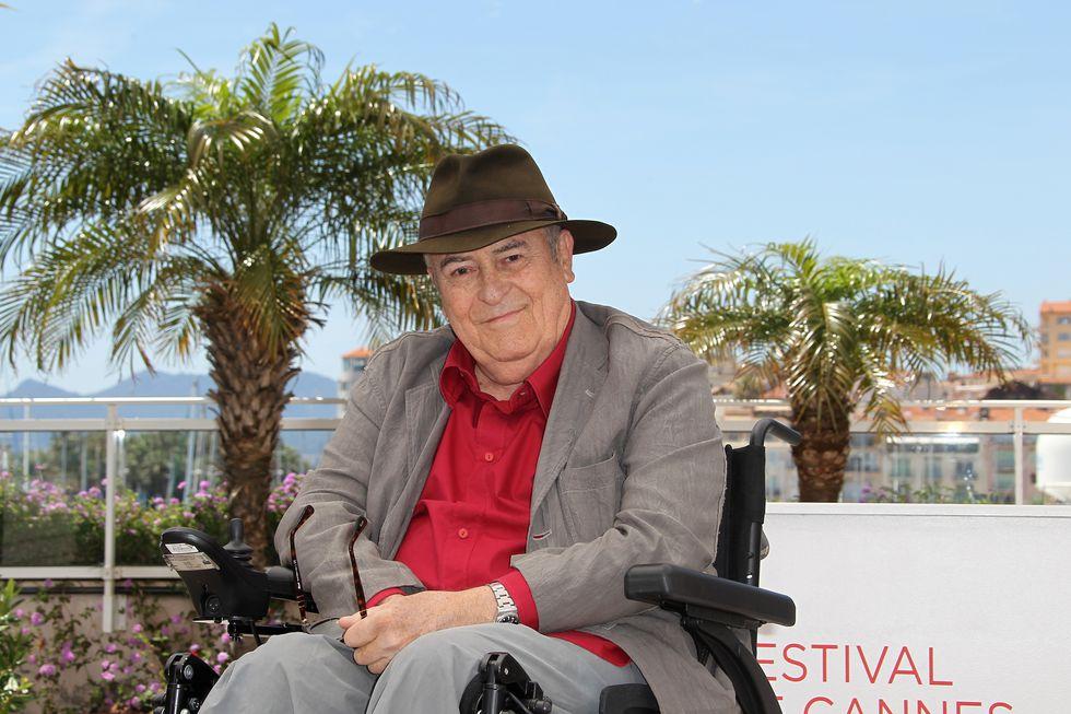 Bernardo Bertolucci: El director de cine y guionista italiano ganador del Óscar falleció el 26 de noviembre en Roma a los 77 años debido a un cáncer de pulmón. (AFP)