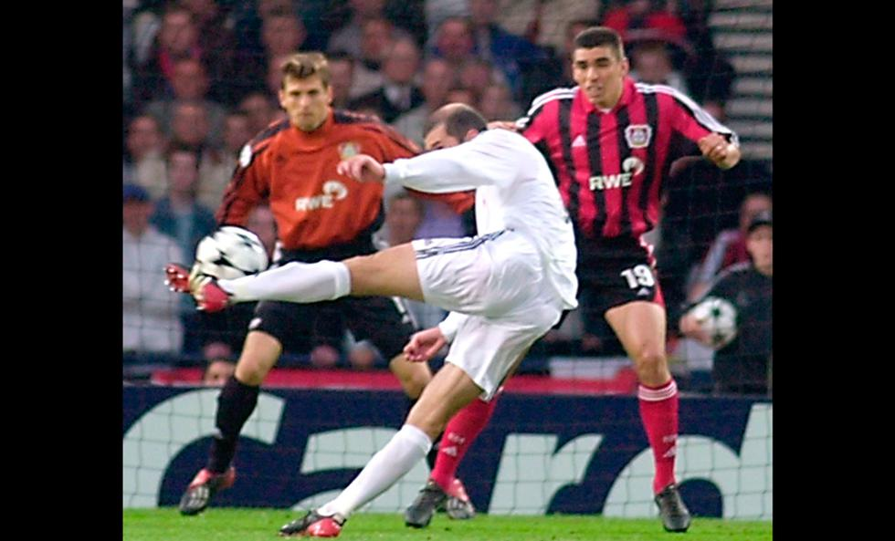 El gol de volea de Zidane al Bayer, elegido el más bello de la Liga Campeones | Foto: AP/EFE/AFP/Reuters