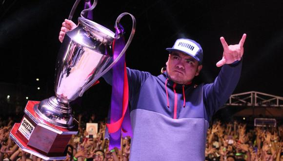 Aczino se llevó el trofeo en el Ghetto Dreams League 2020 tras derrotar al español Skone (Foto: Twitter)