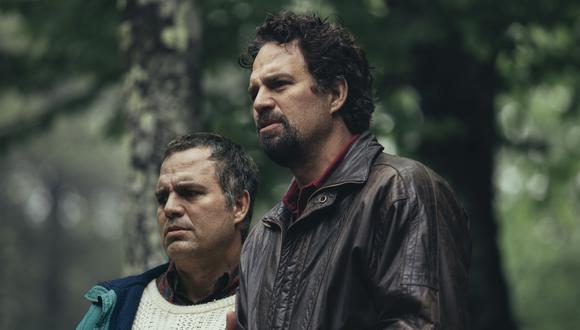 """Mark Ruffalo en una escena de """"I Know This Much is True"""". De lzquierda a derecha, como los gemelos Thomas y Dominick Birdsay. Foto: HBO."""
