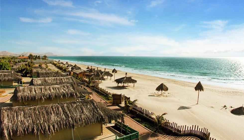 Vichayito. Es una playa ubicada a 9.7 kilómetros de Máncora.  Como la mayoría de playas del norte del país, posee un clima cálido, el cual tiene un promedio de 24 °C. Cuenta con exclusivos resorte para hacer de tu estadía una experiencia inolvidable. (Foto: Booking.com)