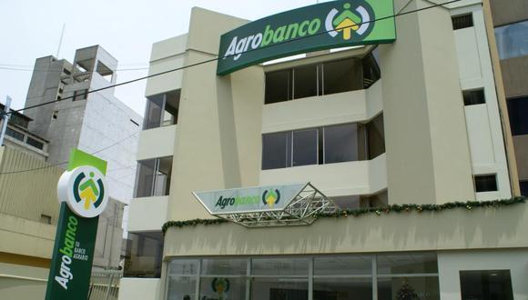 Detienen a 10 ex funcionarios de Agrobanco
