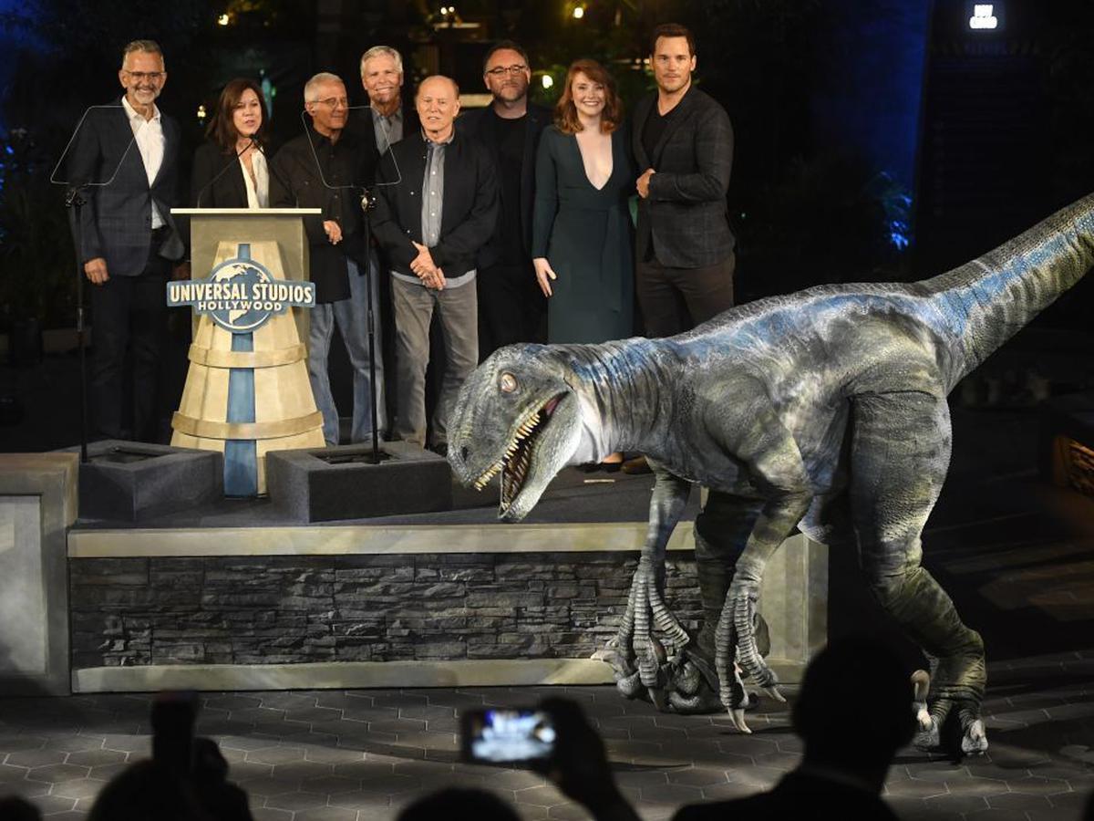Jurassic World Dinosaurios Cobran Vida En La Nueva Atraccion De Universal Studios Luces El Comercio Peru En el parque jurásico discovery center encontrarás unas jaulas con huevos de dinosaurios, si estás cuando uno rompa el cascarón lo. jurassic world dinosaurios cobran