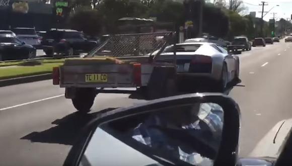 ¿Qué hace un Lamborghini Murciélago remolcando cabras? [VIDEO]