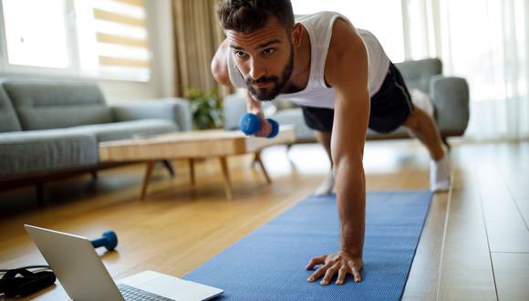 """""""El ejercicio físico programado, con un plan que se ajuste a tu capacidad física, te ayudarán a mejorar tu salud"""", dijo Israel Tejeda, líder técnico Smart Fit Perú.(Foto: iStock)"""