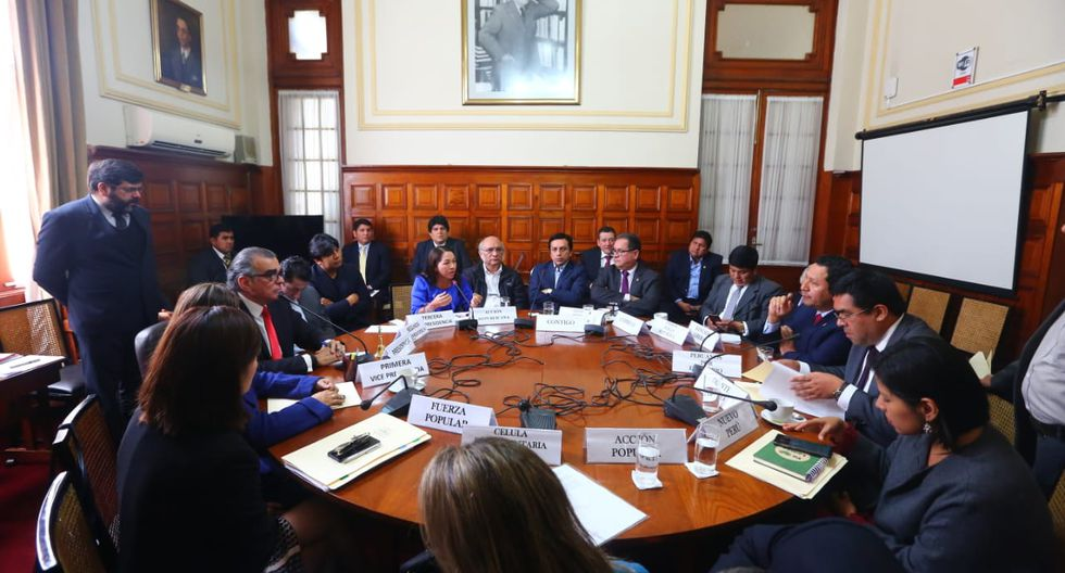 La Junta de Portavoces sesionará un día después de la reunión entre Pedro Olaechea y Martin Vizcarra. (Foto: Congreso)