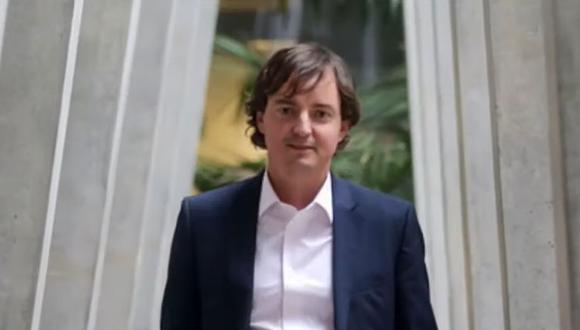 Francisco Encina, politólogo de 35 años cuestionado por su mal trabajo en la organización de la Convención Constituyente de Chile. (Captura de YouTube).
