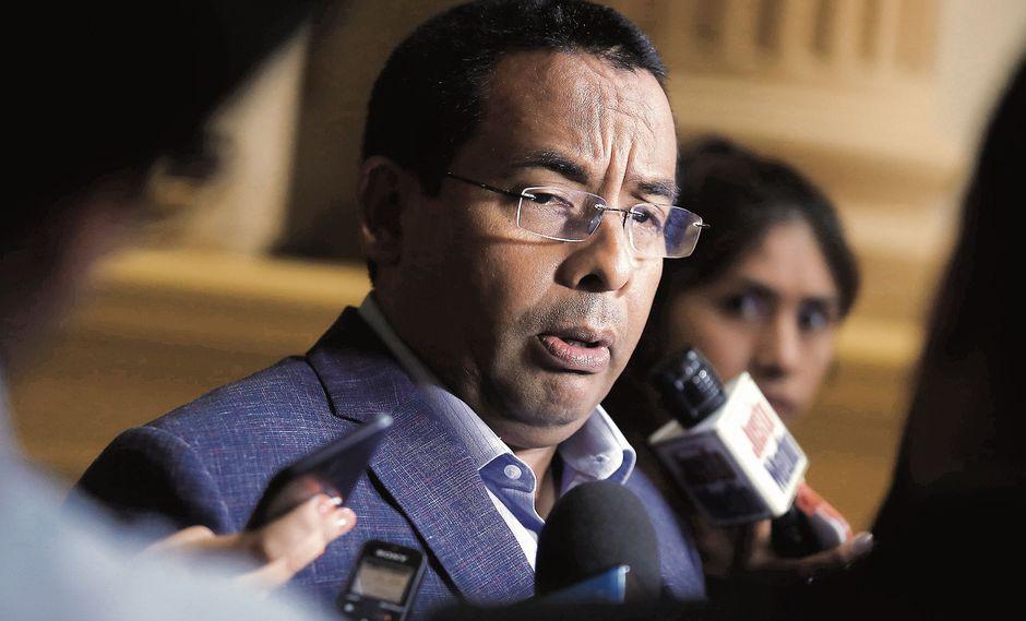 César Segura se ha negado a tramitar las denuncias constitucionales contra el fiscal de la Nación. (Foto: César Campos)