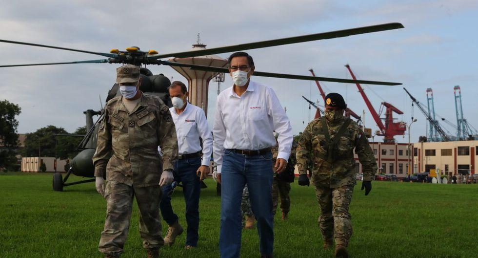 El presidente de la República, Martín Vizcarra, hizo un recorrido esta mañana en varias sedes de la Policía Nacional y las Fuerzas Armadas. (Foto: Presidencia)