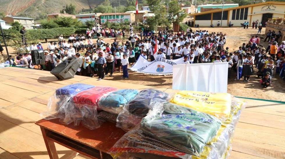 Niños y ancianos de Huánuco recibieron kits de abrigo - 1
