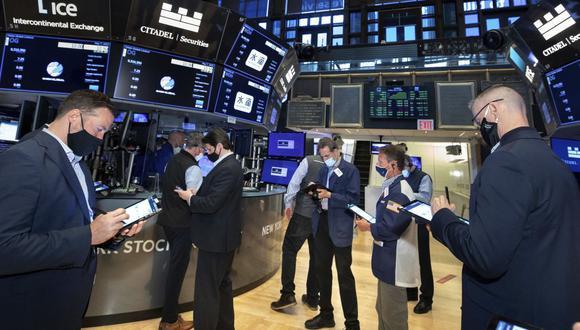 """El viejo adagio del mercado de """"vender en mayo"""" podría estar haciéndose realidad para las firmas de altos vuelos. (Foto: AP)"""