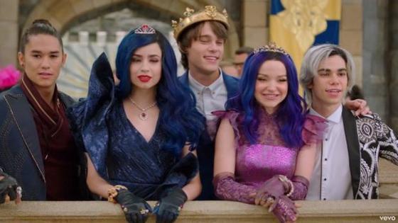 Descendientes 3 Final Todo Lo Que Pasó En La última Película De Cameron Boyce Para Disney Channel Luces El Comercio Perú