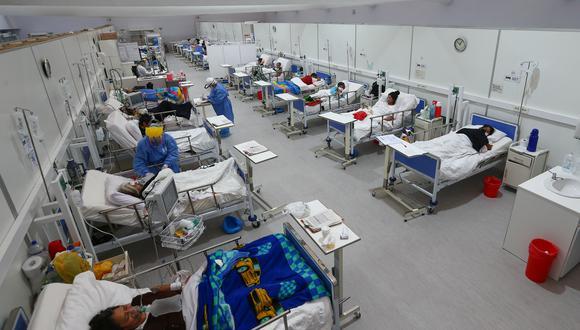 Con la segunda ola, la adquisición de camas UCI y mascarillas, la construcción de hospitales de emergencia, la contratación de personal, etc., más que duplicaron el gasto gasto corriente y contrajeron el gasto en inversión pública en el sector salud (Fuente: GEC).