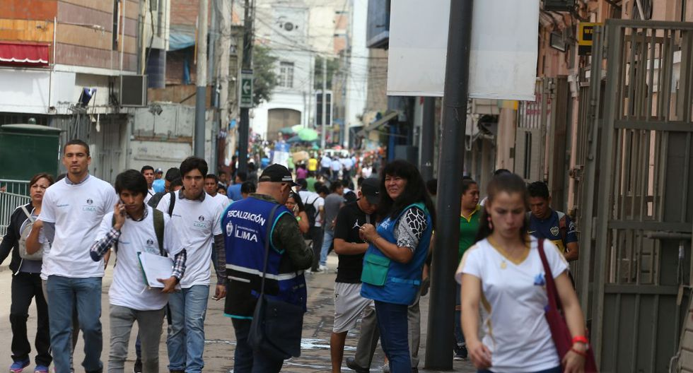Los inspectores de la Municipalidad de Lima vigilan las zonas comerciales del Cercado. (GEC)