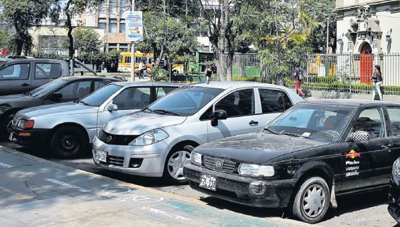 Jesús María reabre 50 estacionamientos tras denuncia