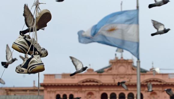 El precio del dólar en Argentina subía este martes. (Foto: AFP).