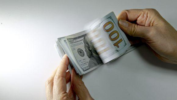 En el mercado paralelo o informal, el tipo de cambio se cotizaba a S/3,555 la venta. (Foto: GEC)