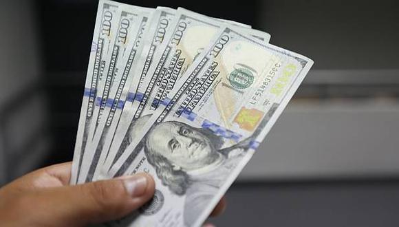 Dólar avanzó por quinta sesión seguida y se cotiza en S/3,398