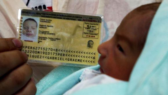 La iniciativa apuntaba a que los padres elijan, de manera libre y por mutuo acuerdo, el orden de los apellidos de sus hijos. (GEC)