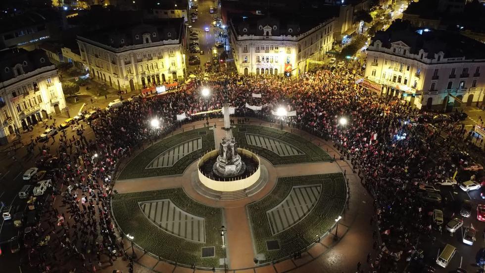 Así lució la plaza Dos de Mayo durante el mitin convocado por el postulante de Perú Libre en el Centro de Lima. (Foto: Giancarlo Ávila / @photo.gec)