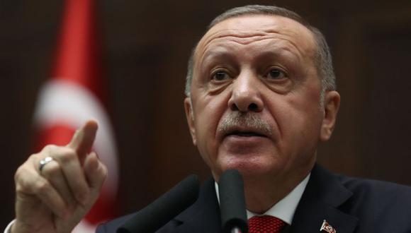 El presidente de Turquía y líder del Partido Justicia y Desarrollo (AK), Recep Tayyip Erdogan, pronuncia un discurso en Ankara, el 14 de enero de 2020. (AFP / Adem ALTAN).
