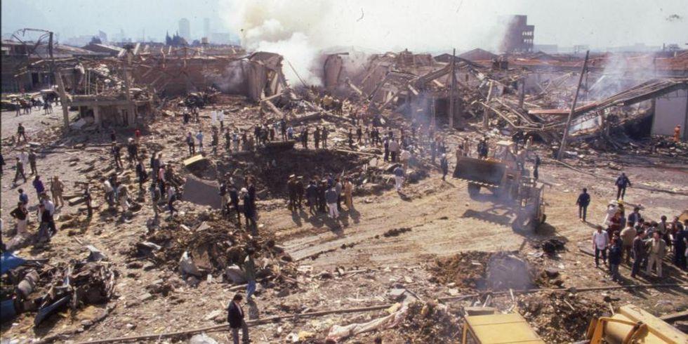 Aunque imagen parece más sacada del Medio Oriente que de Colombia, muestra los daños del atentado al DAS en 1989. Foto: Archivo/EL TIEMPO