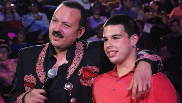 El hijo mayor de Pepe Aguilar volvió a las redes sociales a través de una fotografía que compartió el cantante (Foto: Los Ángeles Times)
