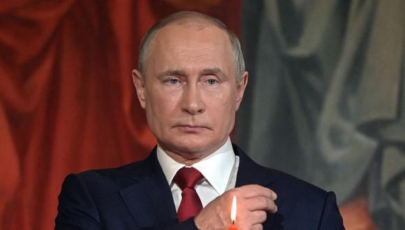 Vladimir Putin apoya liberar las patentes de las vacunas contra el COVID-19. (Foto: Sergei GUNEYEV / SPUTNIK / AFP).