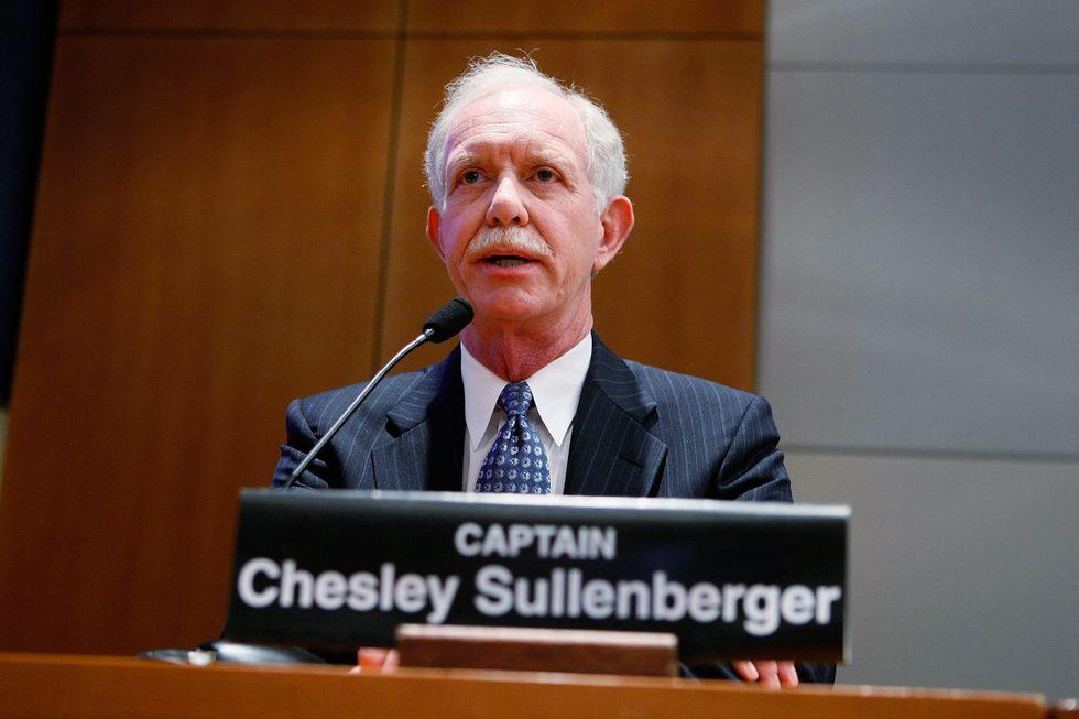 El comandante Chesley Sullenberger amerizó el avión en el río Hudson. (AFP)