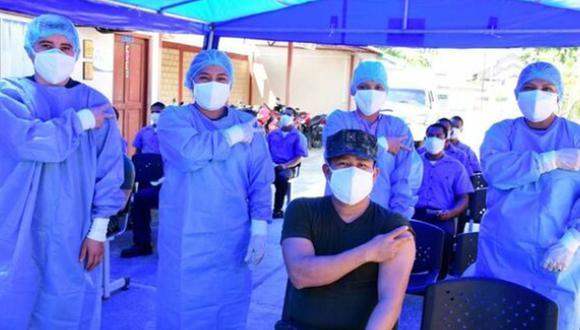 En total se ha vacunado a 25.246 agentes de la Marina de Guerra, y el último fue el Técnico Tercero Alberto López Tello en la ciudad de Iquitos. (Foto: Ministerio de Defensa)