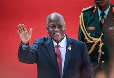 El presidente de Tanzania dice que su hijo sanó del coronavirus con limones y jengibre