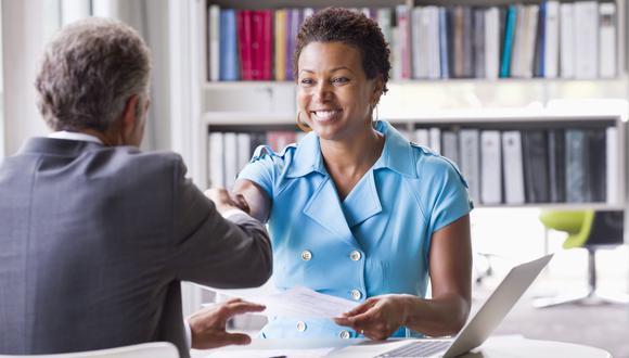Aprende a manejar el lenguaje corporal en entrevistas laborales