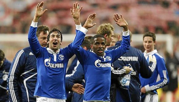 """Jefferson Farfán fue """"socio"""" en ataque de Raúl en una de las mejores campañas de la historia del Schalke 04. (Foto: Agencias)."""