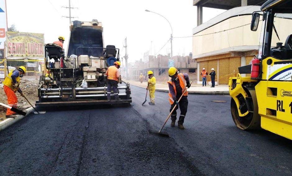 La comuna inició el asfaltado de la avenida San Juan, que une los distritos de Carabayllo y Puente Piedra. (Foto: MML)